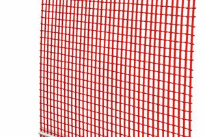3 Anputzleiste Ideal:<br />selbstklebendes zweidimensional bewegliches Kunststoffprofil mit Schutzlippe, Dichtband und Gewebe