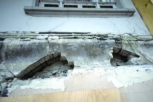 Schäden an der Fassade der Villa