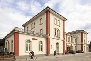 In Schwetzingen wurde der alte Gründerzeitbahnhof zum ersten denkmalgeschützten Null-Heizkostenhaus in Europa umgebaut