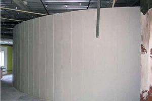 Beim Umbau verwendeten die Handwerker für die runden und geschwungenen Innenwände Trennwandelemente aus Flachsscheben<br />