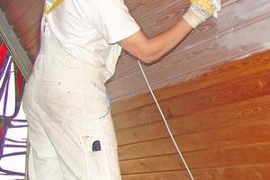Aufarbeitung einer  vertäfelten Dachschräge Foto: Kreidezeit