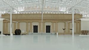 Heute ist der ehemalige Innenhof zwischen den vier Kuppel-Pavillons von Hans Poelzig in Breslau als Teil des Museums für zeitgenössische Kunst mit einem Glasdach geschlossen