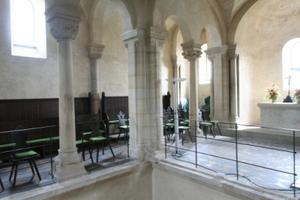 Blick vom Obergeschoss durch die Deckenöffnung ins Erdgeschoss<br />