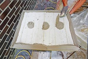"""Die 140 und 160 mm dicken """"Coverrock II"""" Steinwolleplatten wurden im Punkt-Wulst-Verfahren an die Außenwände geklebt"""