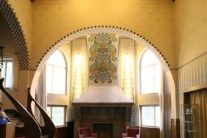 Im Inneren beeindruckt das Große Haus Glückert mit seinem großzügigen Treppenhausatrium mit Kamin<br />