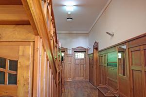 Treppenhaus der Villa nach Abschluss der Restaurierungsarbeiten