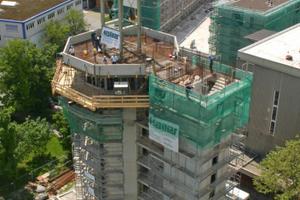 """So sieht es zurzeit auf der Baustelle des ersten Nullenergie-Hochhauses der Welt aus – einem ehemaligen Wasserturm in Radolfzell<span class=""""bildnachweis"""">Fotos: Rütgers Organics</span>"""