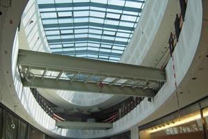 Die Ellipsen  in den Seitenkorridoren sind bemerkenswerte 42 m lang und 11 m breit