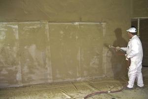 Beim Materialwechsel im Untergrund ist der Einsatz von Gewebe erforderlich<br />Fotos: Baumit<br />
