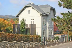 """Die 1911 in Perchtoldsdorf erbaute Villa nach Abschluss der Umbauarbeiten<span class=""""bildnachweis"""">Foto: Stefanie Wögrath </span>"""