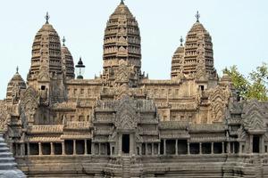 Foto eines Modells der echten Tempelanlage von Angkor-Wat im kambodschanischen Dschungel<br />