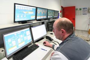 Hoher Automationsgrad: Durch computergestützte Misch- und Abfüllanlagen kann man flexibel auf Kundenwünsche reagieren