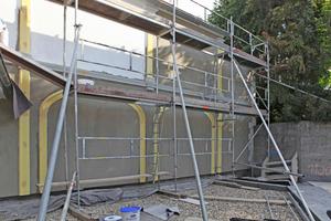 ..., bevor die Fassadenprofile aufgeklebt werden konnten