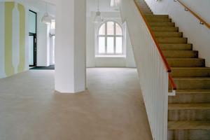 Blick in das neue Treppenhaus nach Abschluss der Sanierungs- und Umbauarbeiten<br />Foto: Tobias Adam / k.u.g.-architekten<br />