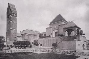 Lichtdruck (1908) des Hochzeitsturms und des Ausstellungsgebäudes auf der Mathildenhöhe in Darmstadt<br />