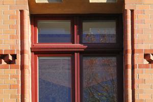 Formziegel als Fensterschmuck in GründerzeitfassadenFotos: Lutz Reinboth