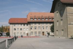 1582 als Jesuitenschule gegründet, ist das Kollegium St. Michael im schweizerischen Freiburg heute eine laizistische, öffentliche Kantonsschule<br />Fotos: Baseli Giger / PCI