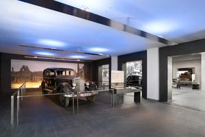 Auf rund 2500 m<sup>2</sup> Ausstellungsfläche präsentieren sich die historischen Maybach-Fahrzeuge