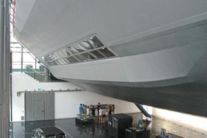 Seit Mitte des Jahres zeigt sich das rundum erneuerte Zeppelin Museum im Hafenbahnhof mit einer erweiterten Hindenburg-Teilrekonstruktion<br />Text + Fotos: Thomas Wieckhorst