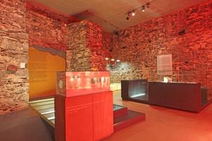 Alle Ausstellungsebenen sind mit modernen, zum Teil begehbaren und interaktiven Ausstellungsobjeten gestaltet. Damit hat das Eifelmusemum nichts von einer typischen Heimatmuseumsatmosphäre