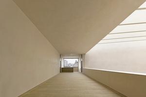 """Decken und Wände wurden mit bis zu sechs Lagen Lehm verputzt<span class=""""bildnachweis"""">Fotos: Adolf Bereuter / Cukrowicz Nachbaur Architekten</span>"""