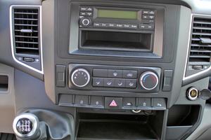 Das Design der Fahrerkabine ist geradlinig und funktional