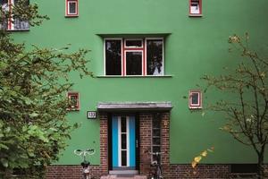 Aufgrund ihrer gestalterischen Qualität zählen die Haustüren zu den hervorstechenden Baudetails der Siedlungshäuser