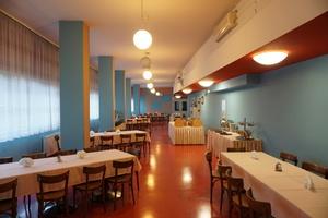 Auch der heutige Frühstücksraum des Hotels entspricht weitgehend dem Original des Ledigenheims von Hans Scharoun