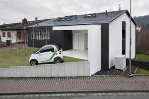 Rechts: Ebenfalls einen Preis erhielt die TSB Ingenieurgesellschaft mbH für ihr Projekt Energy+ Home in Darmstadt<br />Foto: Eternit