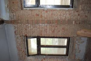 Ehemalige Einbindung des Mauerwerks der Bundwand in die Außenwand<br />