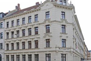 Das denkmalgeschütze ehemalige Kaiserliche Postamt in Leipzig wurde mit Hilfe von WDVS, Innendämmung und Vollsparrendämmung energetisch saniert<br />Fotos: Ursa<br />