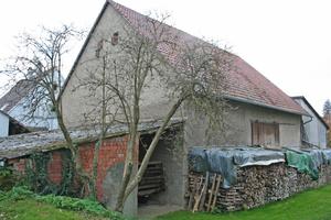 """Die Scheune vor (links) und nach ihrem Umbau zum Wohnhaus<span class=""""bildnachweis"""">Fotos: Velux / Heidi Burkhardt-Nöltner</span>"""