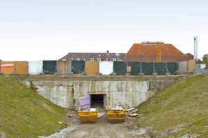 """Einfahrt in das Tunnelsystem<span class=""""bildnachweis"""">Foto: Remmers</span>"""
