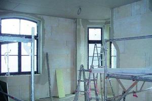 Im Stuttgarter Gründerzeithaus in der Mörickestraße wurden insgesamt 600 m<sup>2</sup> Wandflächen der Innendämmung mit iQ-Therm 50 verarbeitet<br />