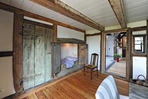 Auch Teile der historischen Ausstattung blieben erhalten, wie der Alkoven im heutigen Esszimmer im Erdgeschoss<br />