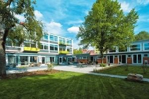 In Hannover gab es einen Preis für Mosaik Architekten und die Planungsgemeinschaft Südstadtschule sowie die PlanW GmbH für die Sanierung der Baugruppe Südstadtschule<br />