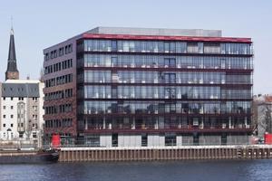 Die neue Coca-Cola Deutschland Zentrale entstand am Berliner Spreeufer nach Plänen des Büors nps tchoban voss
