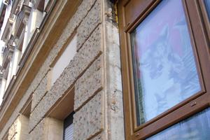 Neue Fenster und sanierungsbedürftige Laibungen<br />