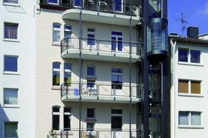 Bilder auf gegenüberliegender Seite: Die Firma Schöck bietet mit ihrem Balkonsystem Purismo für die Sanierung von Gründerzeitbauten dann eine Alternative, wenn die alten Balkone nicht mehr zu retten sind