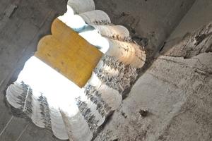 Um sich durch die 1,6 m dicke Stahlbetondecke zu arbeiten, benötigten die Handwerker 40 Bohrungen und rund sechs Wochen Zeit