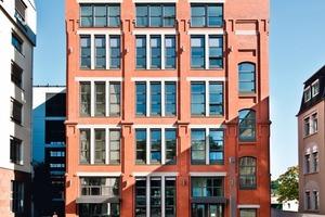 Die Backsteinfassade einer ehemaligen Fabrik in Frankfurt am Main wurde mit viel Liebe zum Detail aufwendig saniert<br />Foto: Wienerberger / Johannes Vogt<br />