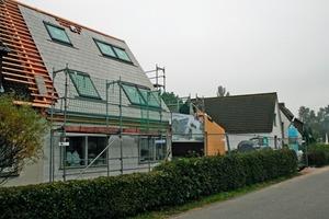 Großzügige Dachfenster gewährleisten eine gute Versorgung mit Tageslicht im Siedlerhaus