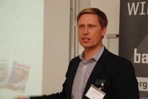 Thomas Fieberg vom Unternehmen Knauf Insulation referierte zum Thema Wirtschaftliche Dachsanierung im Bestand<br />