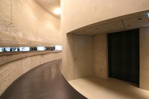 Kontrast im Bunker zwischen altem (links im Bild) und neuem Stahlbeton (rechts)