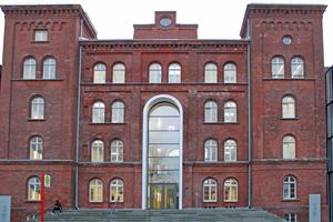 """Aus der Kaserne wurde das Hauptgebäude der TUHH<span class=""""bildnachweis"""">Fotos: epasit / Matthias Jacob</span>"""