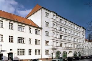 Die Altbauten der Charlottenburger Baugenossenschaft eG erhalten einen energiesparenden Wärmeschutz der obersten Geschossdecke<br />