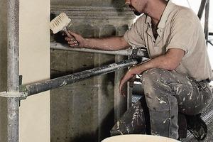 Bis heute ist es bei Reinsilikatfarben immer noch erforderlich, mit einer guten Streichbürste zu arbeiten<br />