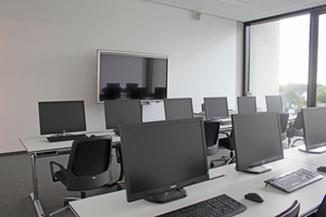Unten: Die Schulungsräume sind mit moderner Technik ausgestattet