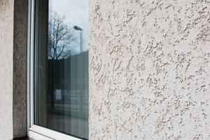 Das System hält – selbst an Fensteranschlüssen ist es ohne Mängel und daher noch voll funktionsfähig