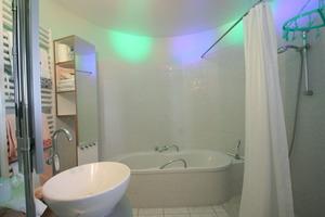 Blick in das Badezimmer im Trichter